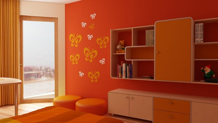 habitacion con pared color naranja