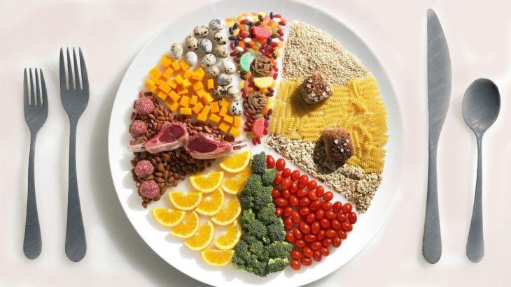 plato con comida