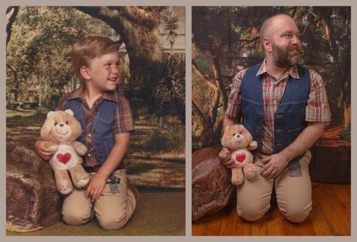 niño y hombre cargando oso de peluche