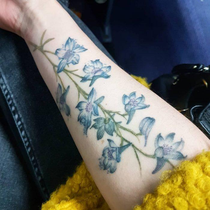 tatuaje de Delphinium
