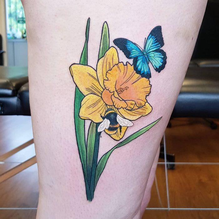 tatuaje de narcisos