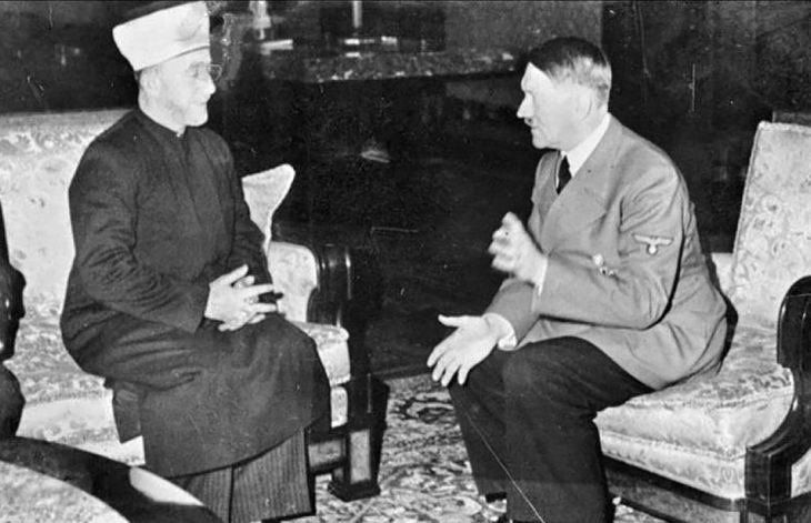 Adolf Hitler se encuentra con el Grand Mufti de Jerusalén, Haj Amin al-Husseini