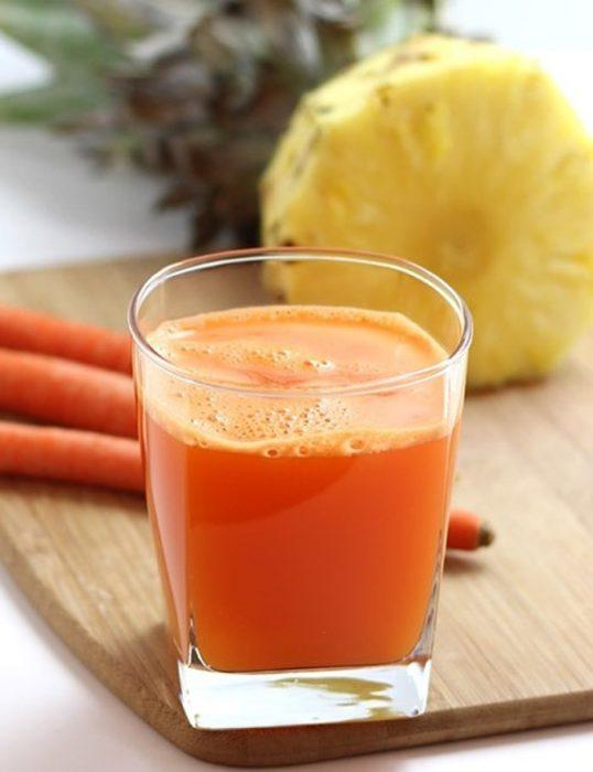 jugo de piña y zanahoria