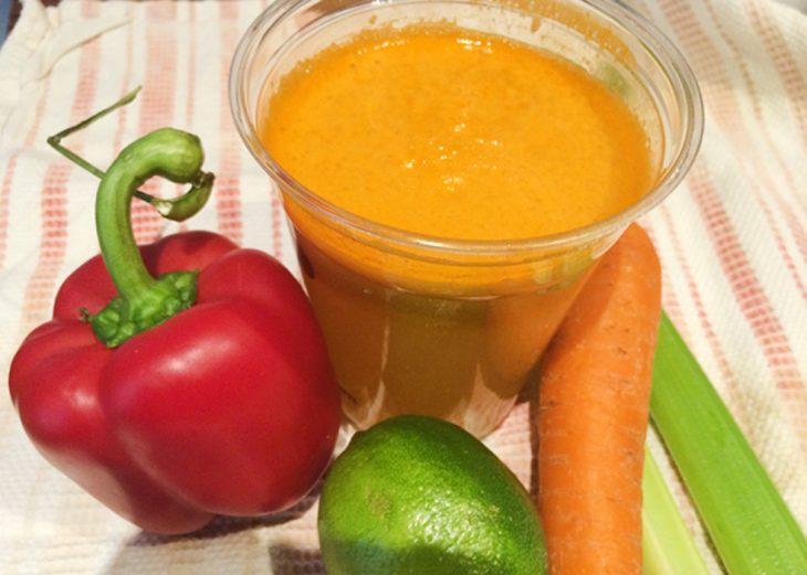 jugo de pimiento morrón, zanahoria, apio y limón
