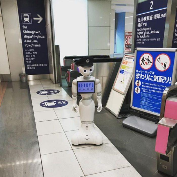 Robot asistente en el metro