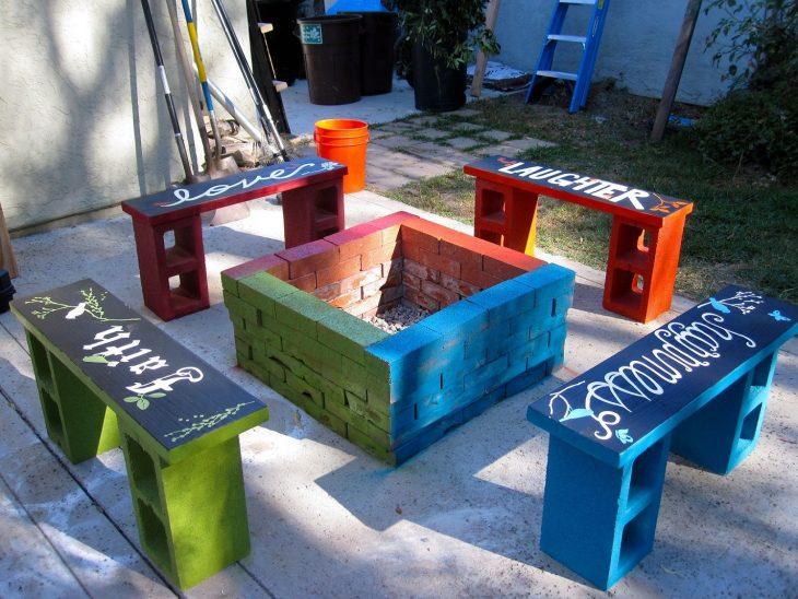 comedor de jardín de bloques de cemento