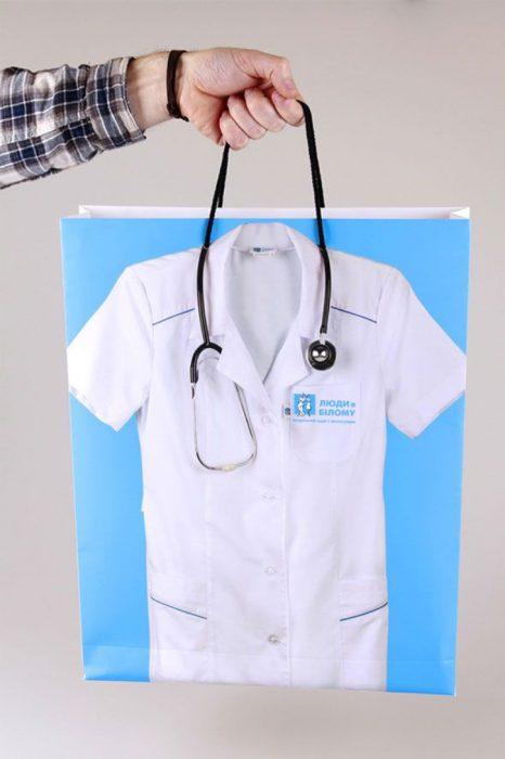 bolsa de compras de tienda de artículos médicos