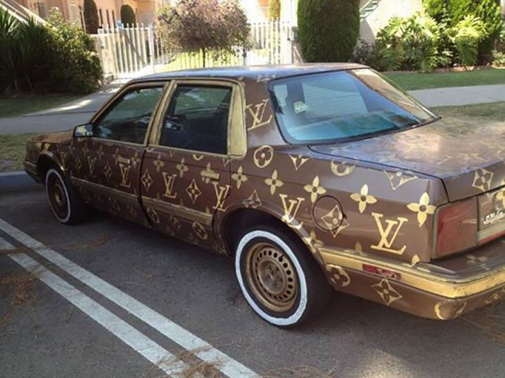 carro de loui vuitton