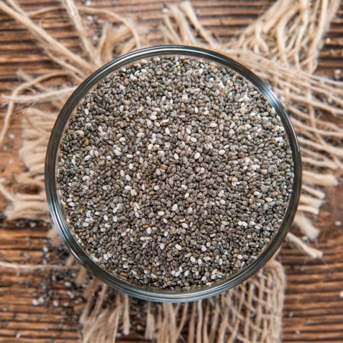 plato con semillas de chía