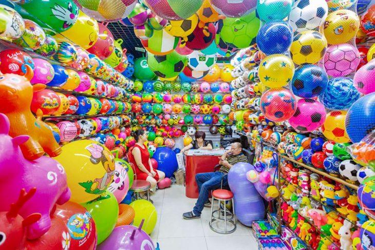 balones de plástico en una tienda