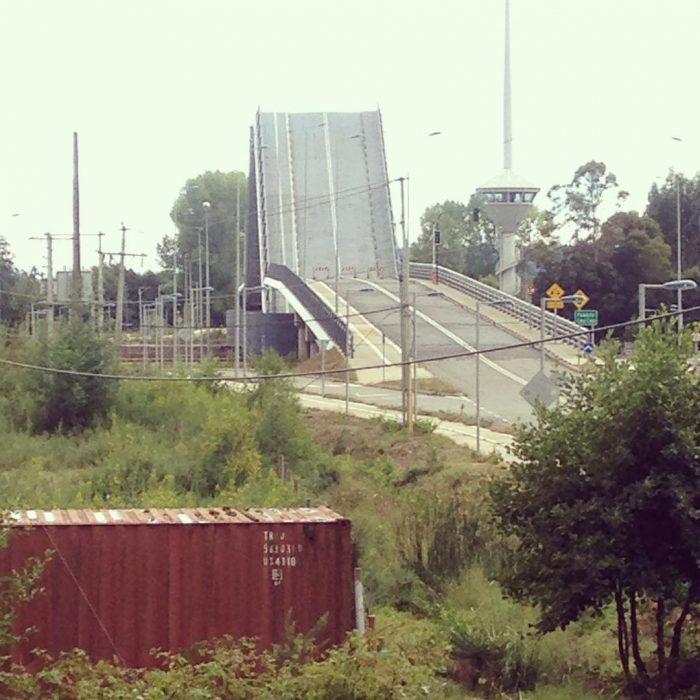puente para coches mal hecho