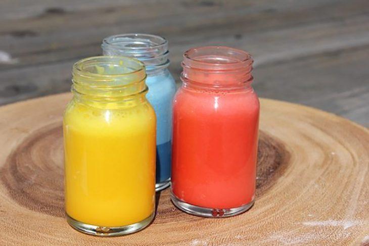 frascos con píntura