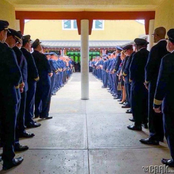 Muchos soldados juntos