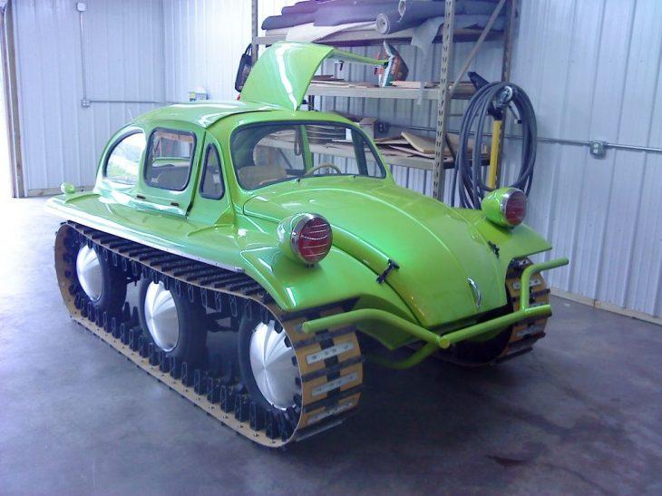 bochito convertido en tanque de guerra