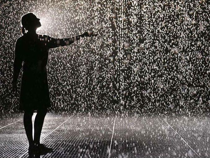 mujer lluvia