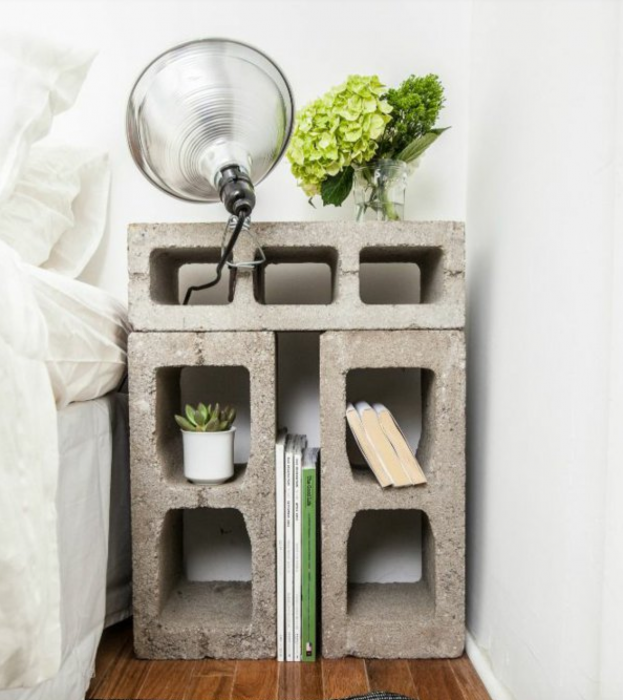 mesa de cama de bloques de cemento