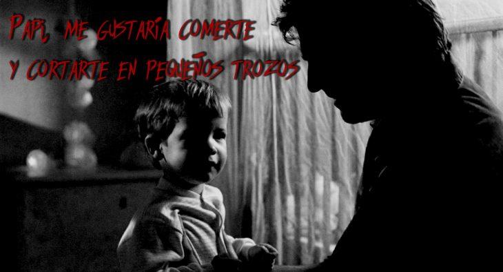 hombre y niño conversando a blanco y negro