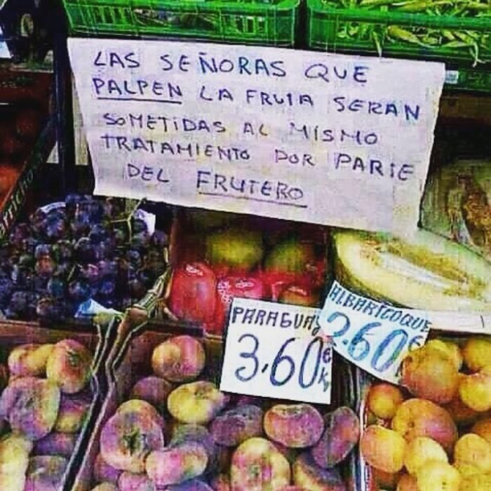 cartel gracioso en las verduras