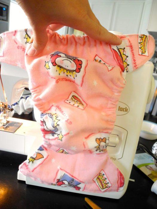 pañal de tela rosa