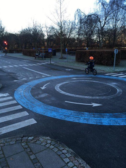 Parque de bicicletas infantil para aprender a conducir