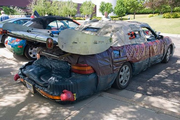 carro feo