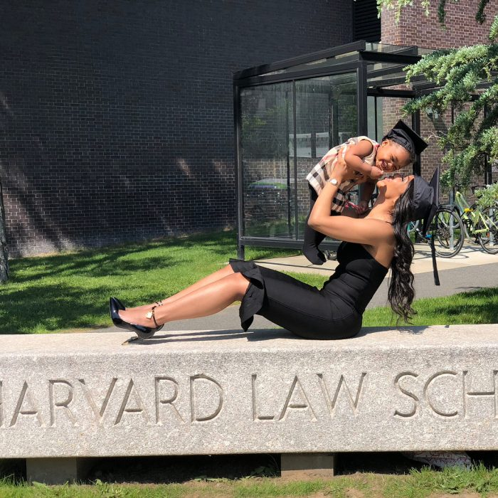 madre soltera se gradúa de harvard