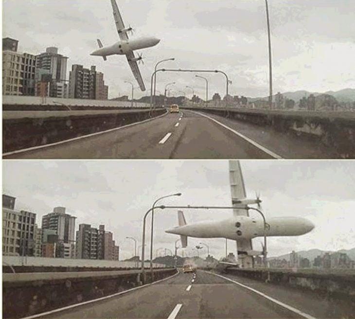 avión se estrella en la carretera