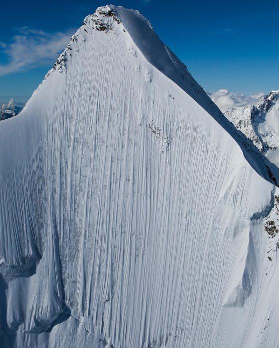montaña de los alpes suizos