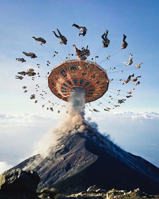 montaje juego mecánico en un volcán