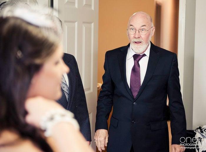 Padres ven a sus hijas con vestido de novia (20)