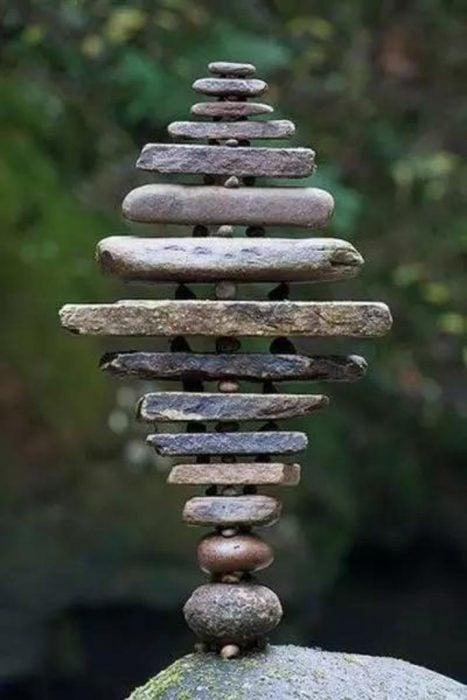 piedras balanceadas