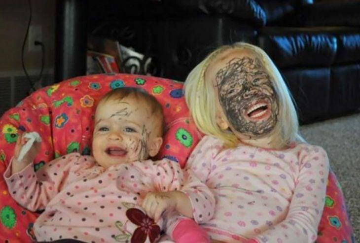 bebés traviesos