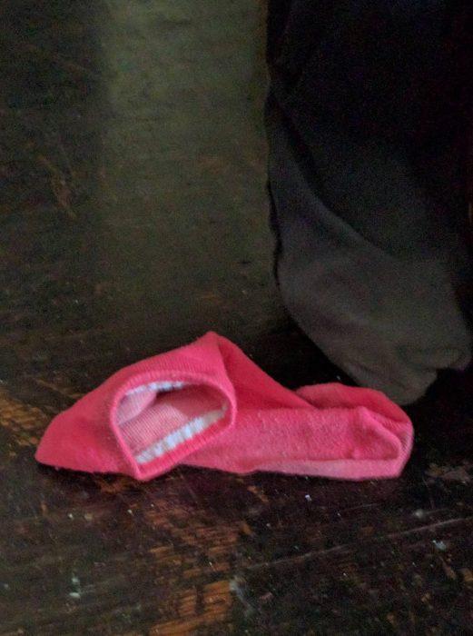calcetín que parece estar bostezando