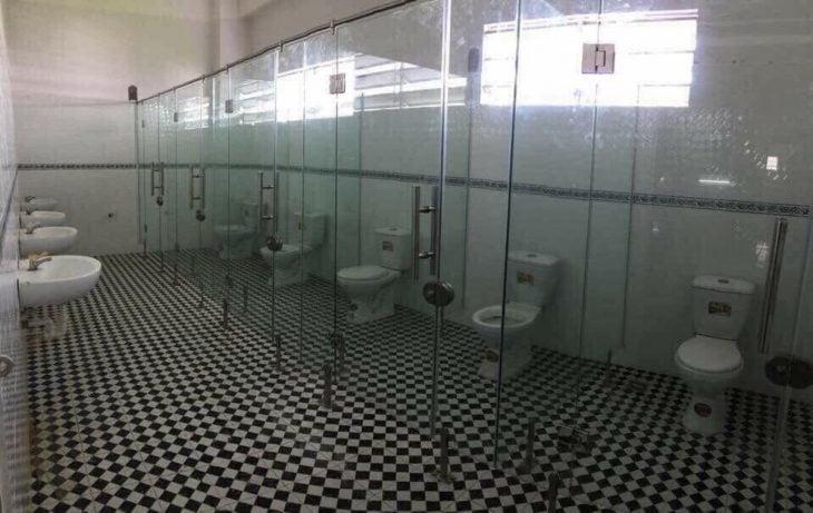 baño transparente