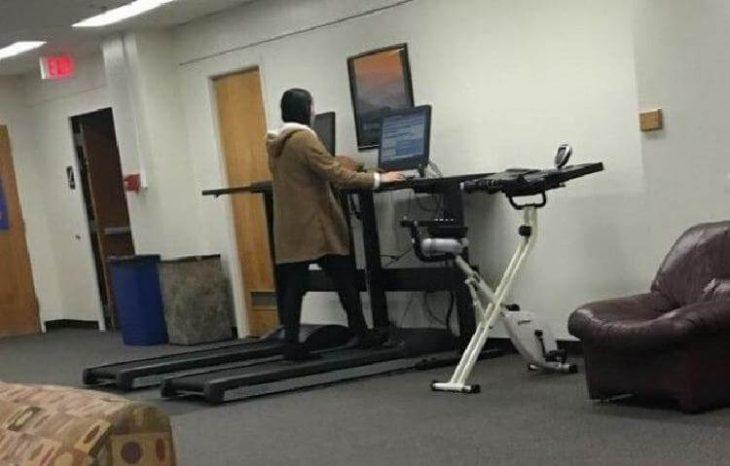 computadoras con caminadora en un campus