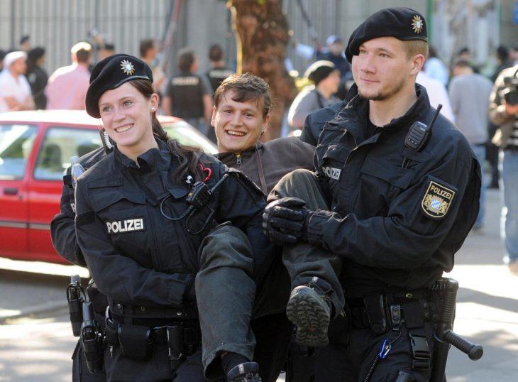 fotogénico al ser detenido