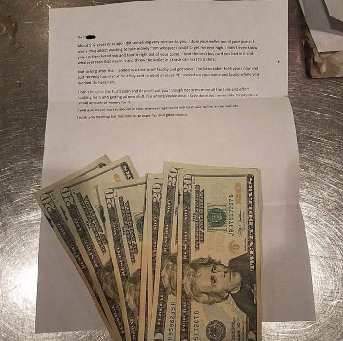 carta con dinero