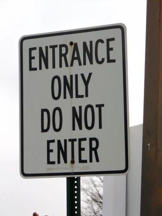 cartel que dice entrar no entre