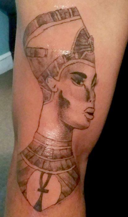 tatuaje feo de faraón