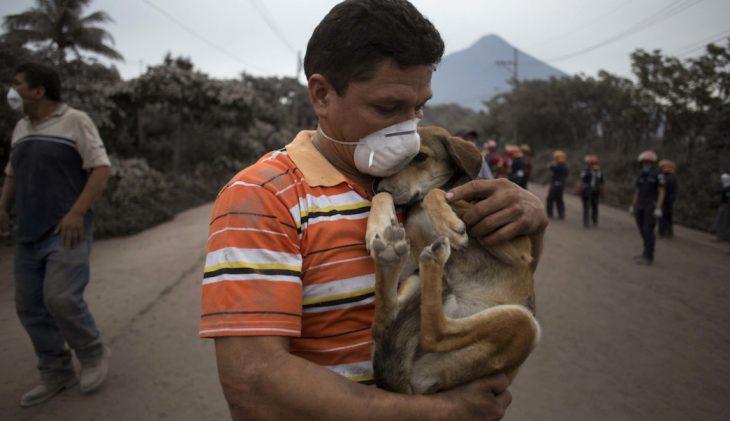 niños que apoyan a guatemala