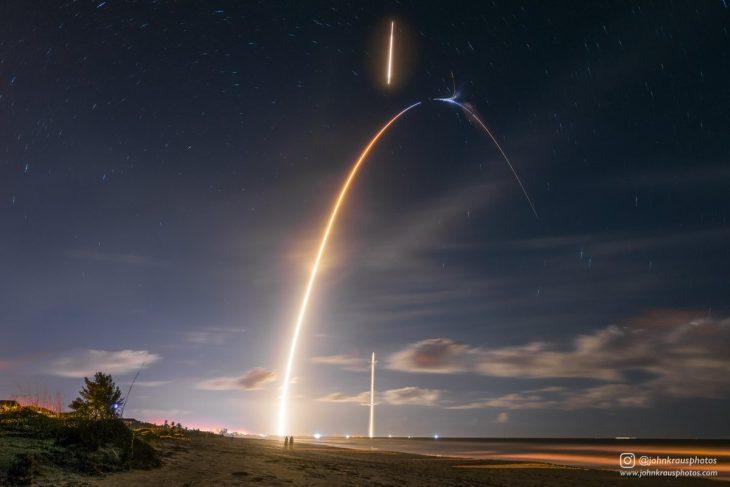 luces en el cielo por lanzamiento de cohete