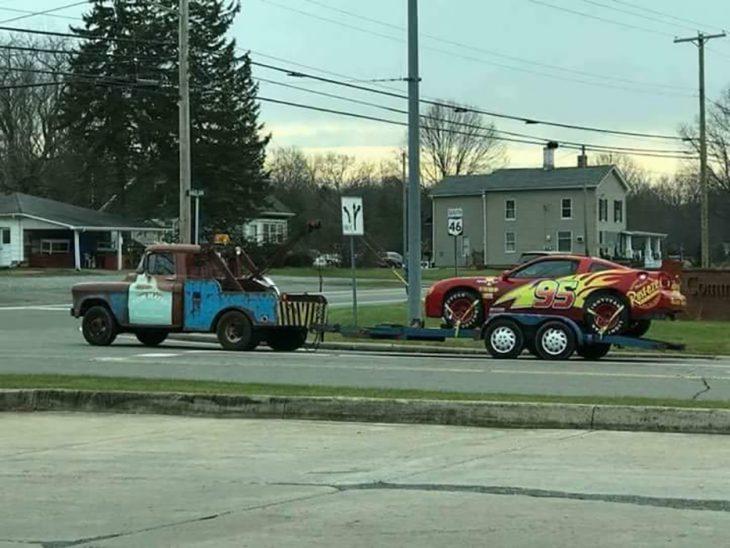 carros caaracterizados como la película de cars