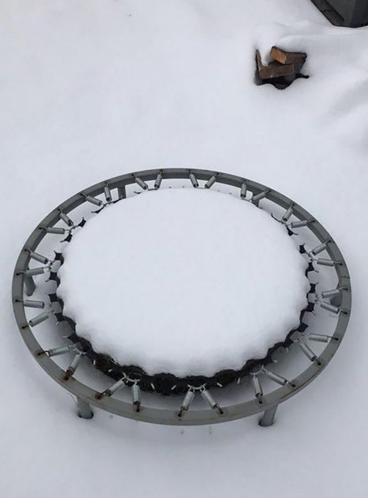 nieve en trampolín