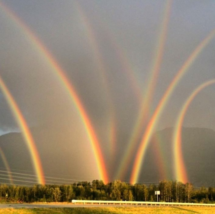 8 arcoíris coinciden