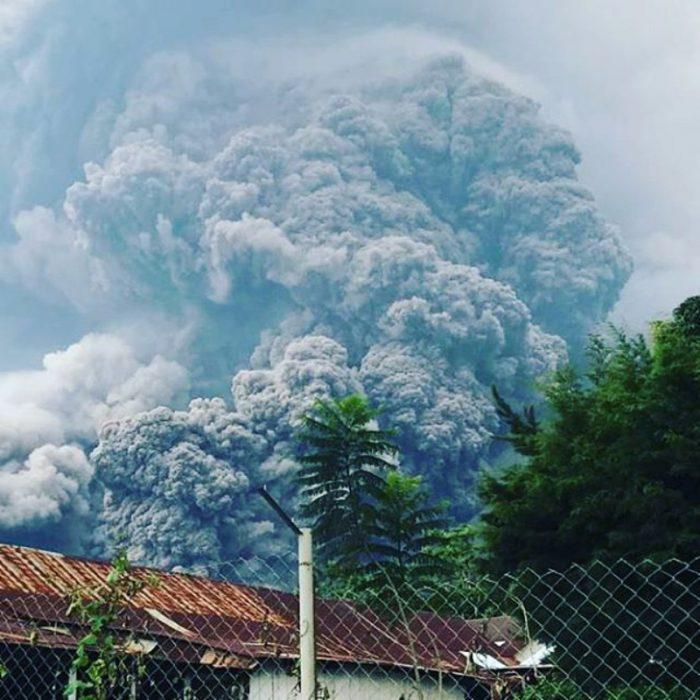 erupción del Volcán de fuego guatemala