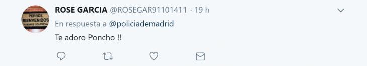 poncho perro policía tweet