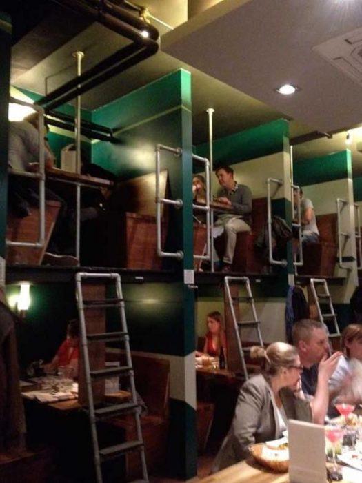 restaurante en londres de dos pisos