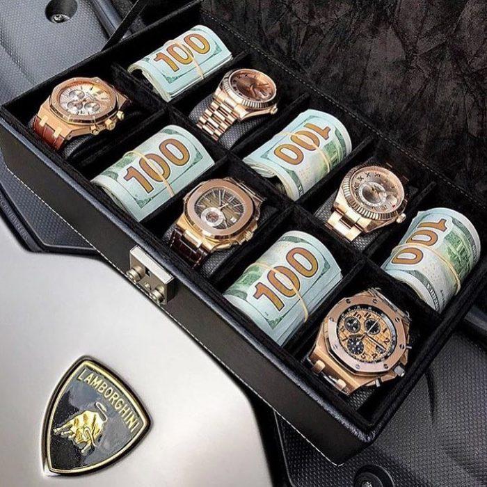 billetes y relojes