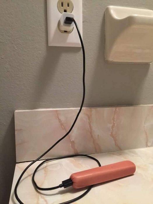 salchicha conectada a la luz