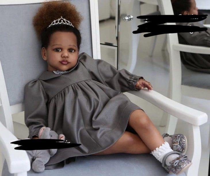 muñeca reborn que parece hija de un rapero
